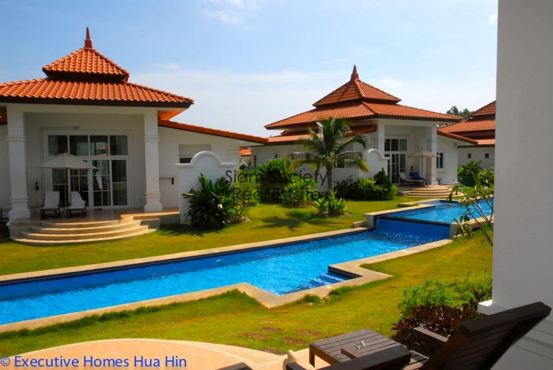 Banyan Golf Residential Village - Pool and Jacuzzi