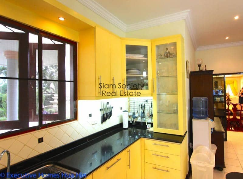 Palm Hills Home For Sale - Kitchen