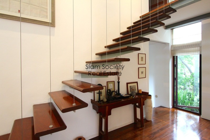 stairs-palm-hills-house