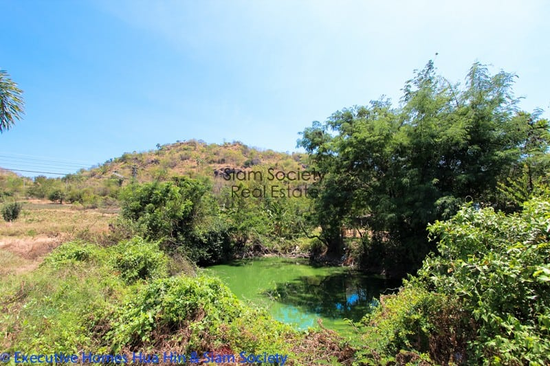 Riverfront 4 bedroom Villa For Sale with views