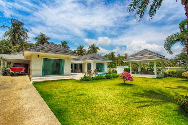 White Beach Villas For Sale In Hua Hin Dolphin Bay Thailand