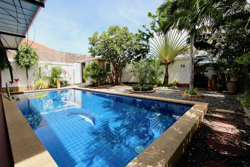 Houses & Villas For Sale In Hua Hin Thailand
