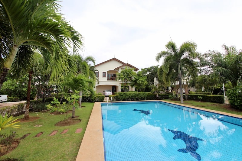 Beach houses for sale in Hua Hin Thailand