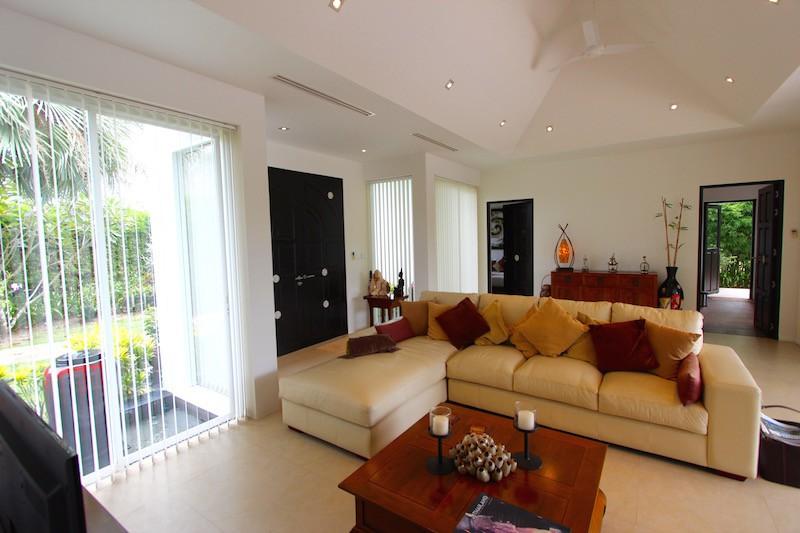 Hua Hin Luxury Homes For Sale Near Golf | Hua Hin Real Estate Homes For Sale | Hua Hin Property Agents | Hua Hin Golf Course Homes For Sale | Hua Hin Estate Listings For Sale