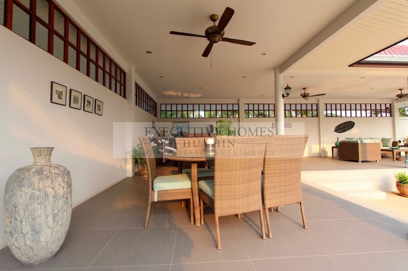 Large Resort Guest House For Sale In Hua Hin Thailand | Hua Hin Business For Sale | Hua Hin Business Property Listings | Hua Hin Guesthouses For Sale | Hua Hin Bed & Breakfast For Sale