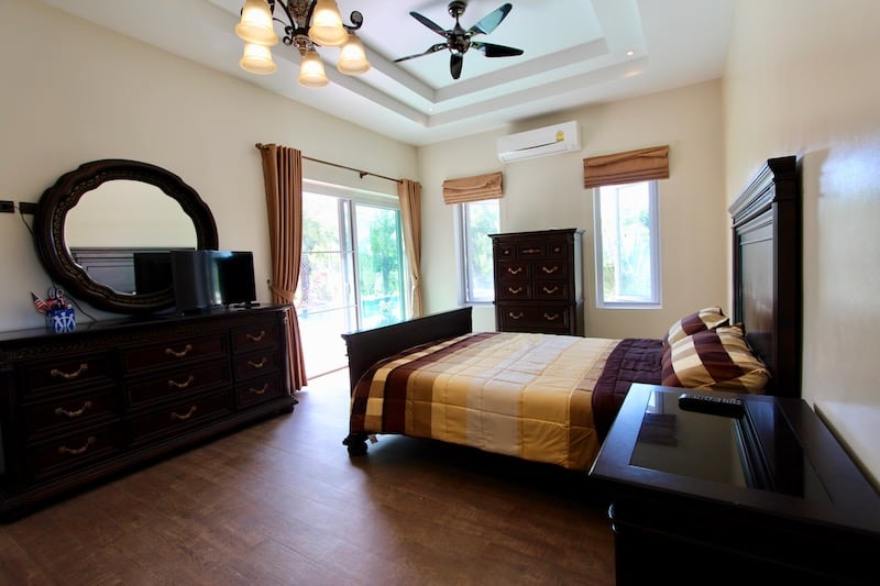 Luxury 4 bedroom villa with guest house for sale in Hua Hin | Luxury Homes for sale in Hua Hin & Pranburi | Hua Hin Real Estate Agents | Private estate with guest house + pool for sale with views | Property For Sale Hua Hin
