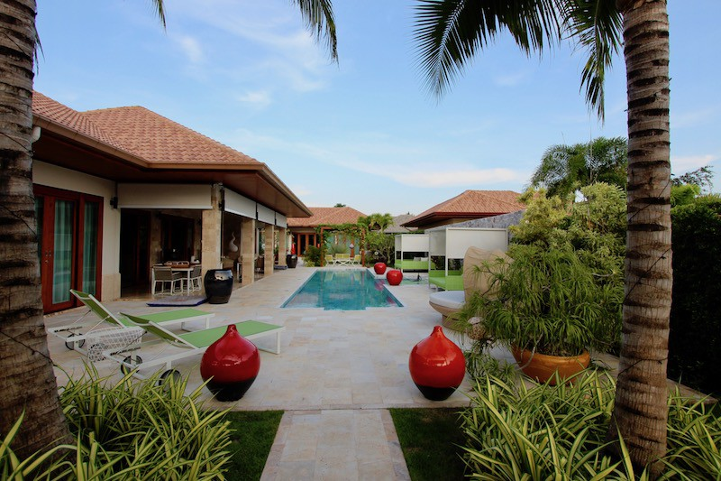 MODERN 4 BED LUXURY VILLA FOR SALE
