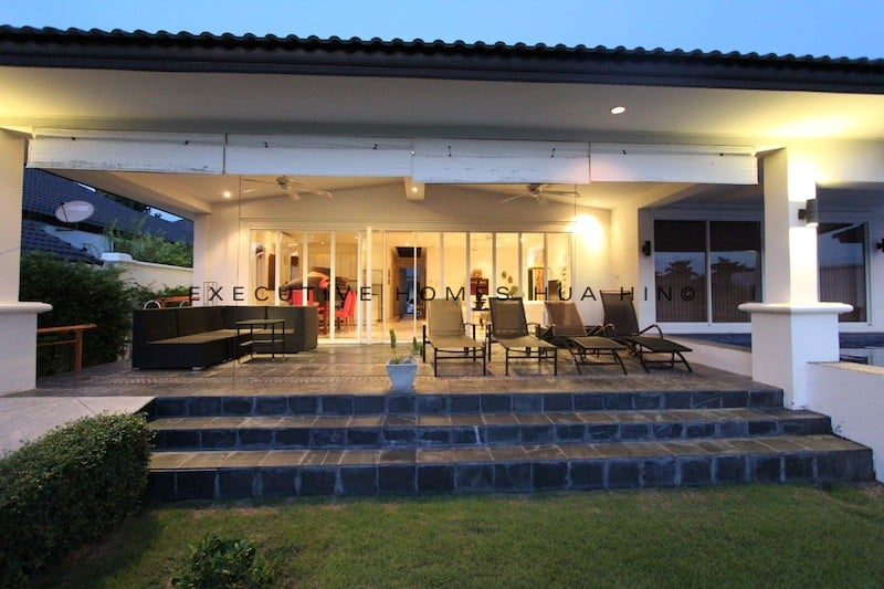 Hua Hin Town Center 4 bed pool villa rental | Central Hua Hin Homes For Rent | Rent Hua Hin Homes Close To Beach | Hua Hin Vacation Rental Agency | Hua Hin Real Estate
