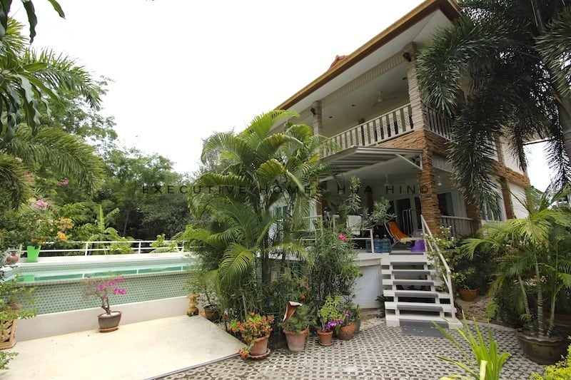 rent hua hin house town center