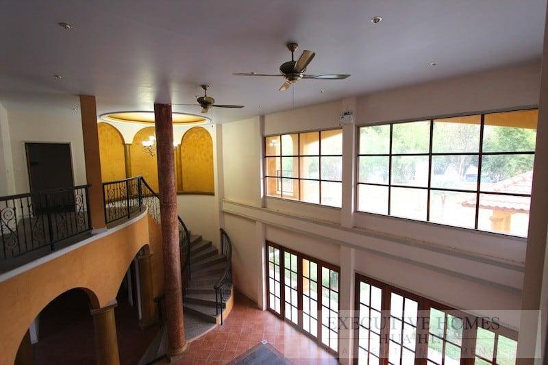 large hua hin homes for sale | central hua hin home for sale | downtown hua hin home for sale | soi 116 house for sale hua hin | hua hin real estate