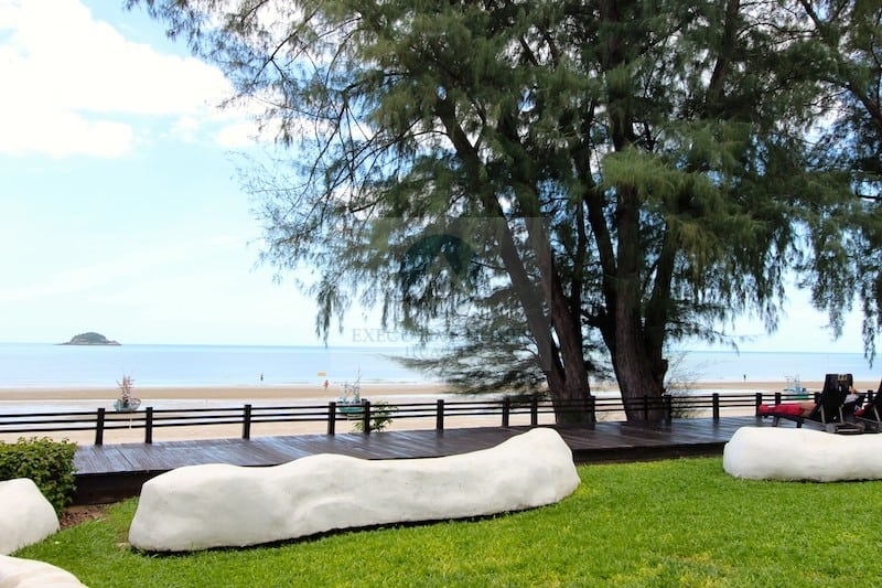 HUA HIN SEAVIEW 2 BED CONDO FOR SALE | hua hin condos for sale | condos for sale thailand | hua hin real estate condo sales