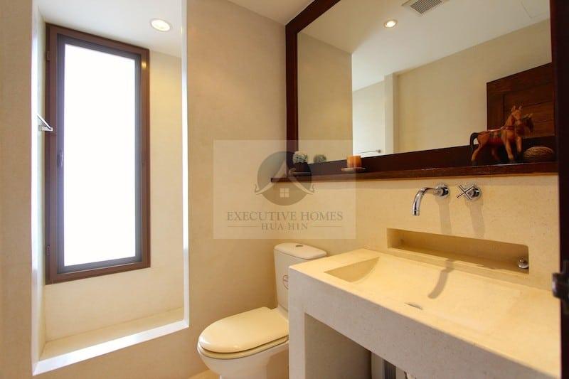 HUA HIN SEAVIEW 2 BED CONDO FOR SALE | hua hin condos for sale | condos for sale thailand | hua hin real estate condo sales