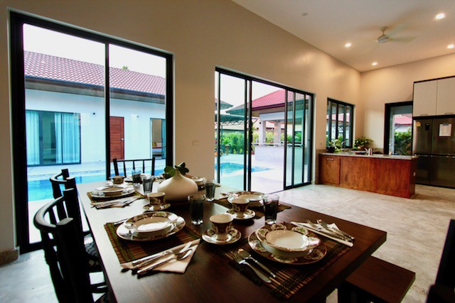 TOP QUALITY HUA HIN BEACH HOMES FOR SALE
