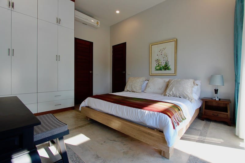 Golden Sands Inside - Main Masterbedroom2
