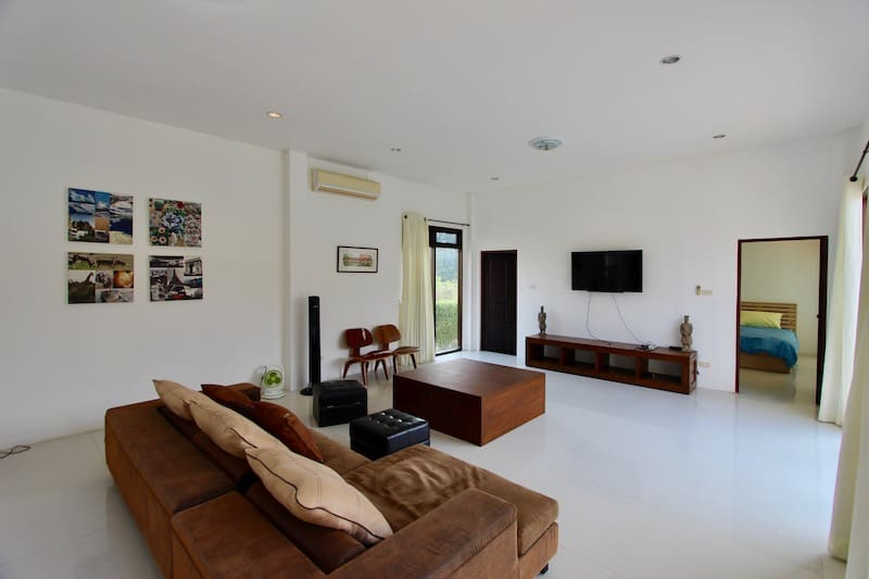 Hua Hin Pool Villa for Rent | LAKESIDE POOL VILLA FOR RENT BLACK MOUNTAIN | Hua Hin rent home