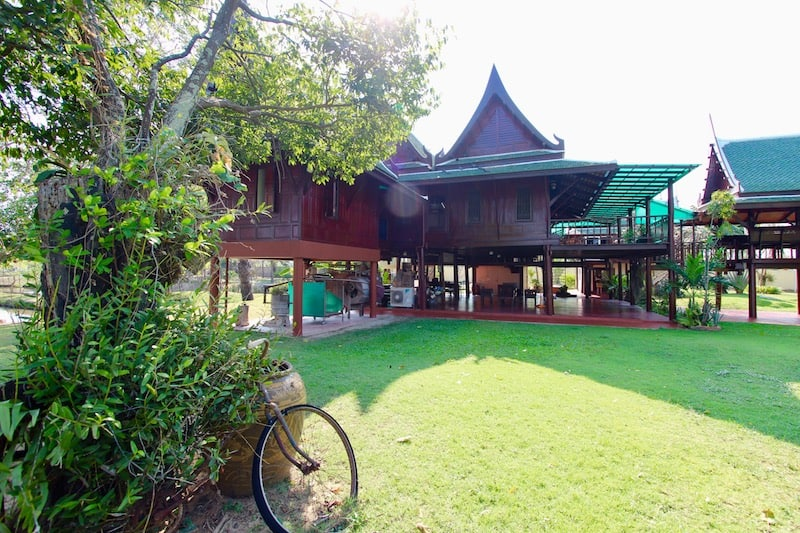 Thai Teak Home For Sale Hua Hin Cha-Am | HUA HIN REAL ESTATE FOR SALE | CHA AM REAL ESTATE FOR SALE | HOTELS FOR SALE THAILAND