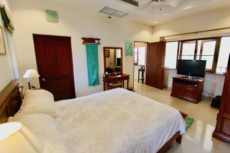 STUART PARK 3 BED HUA HIN VILLA FOR SALE