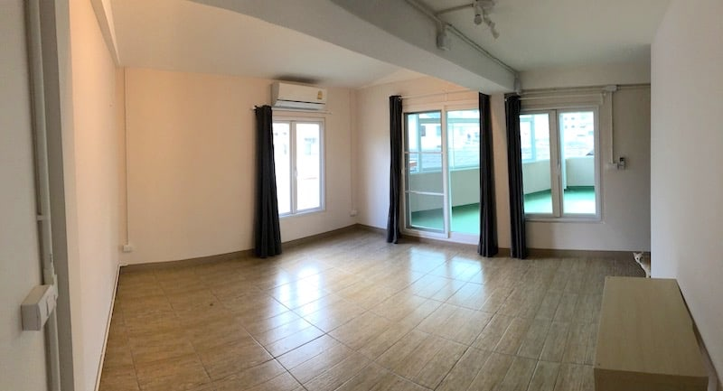 Central Hua Hin Townhouse For Sale | Hua Hin real estate | Property for Sale Hua Hin | Hua Hin Business for Sale