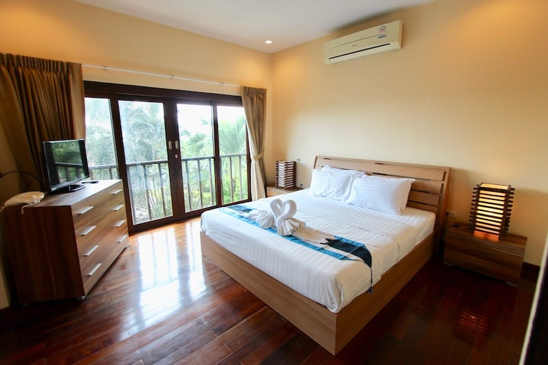 PRANBURI HOMES FOR SALE | 3 BED VILLA & WONDERFUL VIEWS