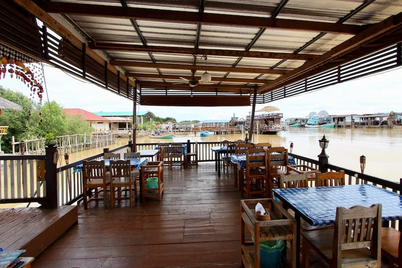 WATERFRONT PRANBURI RESTAURANT FOR SALE | PLUS 2 BUNGALOWS