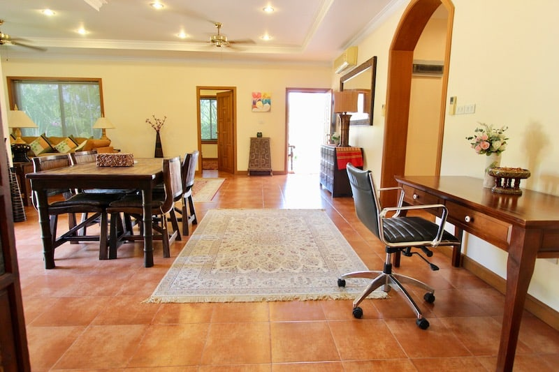 HUA HIN VILLA FOR SALE NEAR DOWNTOWN   3 BEDROOM HOUSE FOR SALE