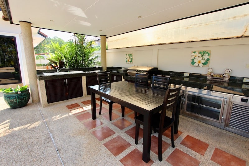 HUA HIN VILLA FOR SALE NEAR DOWNTOWN | 3 BEDROOM HOUSE FOR SALE