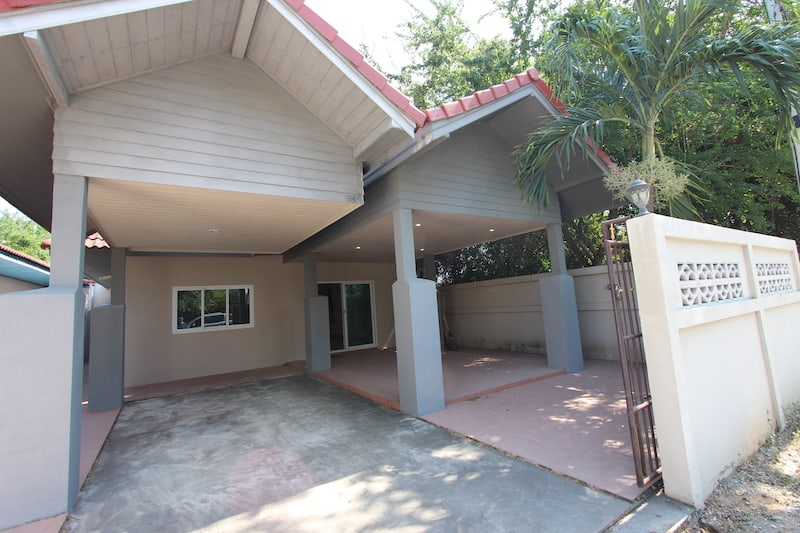 BUNGALOW FOR SALE NEAR BEACH