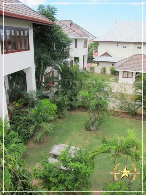 LARGE 2 STORY VILLA FOR SALE IN CENTRAL HUA HINLARGE 2 STORY VILLA FOR SALE IN CENTRAL HUA HIN