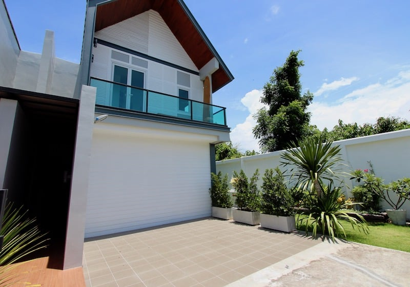 Ultra modern designer home for sale in hua hin hua hin for Ultra modern homes for sale